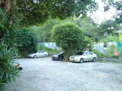 ナームヨイ(プーケットのミシュラン2021ビブグルマン)駐車場